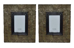 SET OF 2 SMALL PHOTO FRAMES